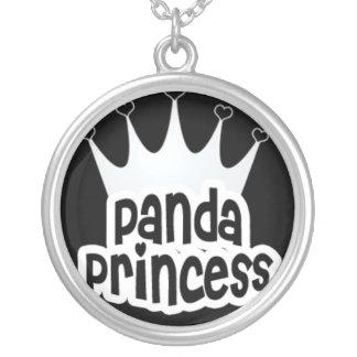 Princesa de la panda con la corona colgante redondo
