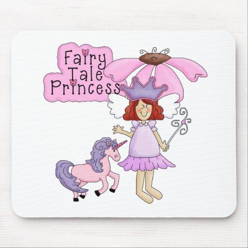 Princesa del cuento de hadas del Redhead Tapetes De Ratones