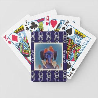 Princesa del perro de patas muy cortas barajas de cartas