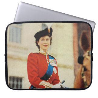 Princesa Elizabeth de HRH 1951, marchando el color Fundas Computadoras