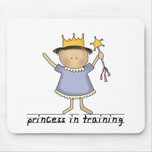 Princesa en el entrenamiento mouse pads