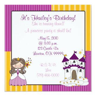 ¡princesa es el cumpleaños de Hailey! , Ella es… Invitación Personalizada