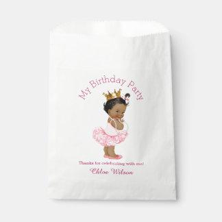 Princesa étnica linda del cumpleaños de la bolsa de papel