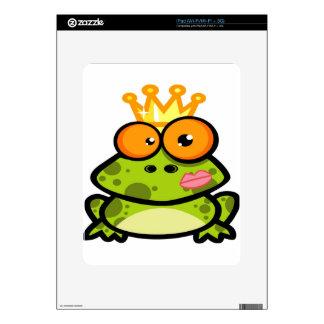 Princesa linda Frog con la corona de oro Calcomanías Para iPad