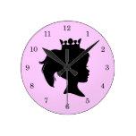 Princesa negra T-shirts y regalos de la silueta Relojes De Pared