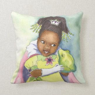 Princesa negra y la almohada del sitio del chica d