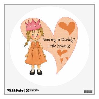 Princesa rubia de la mamá y del papá
