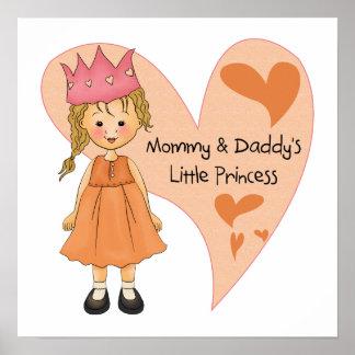 Princesa rubia de la mamá y del papá poster