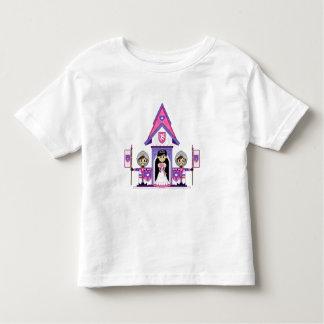 Princesa y caballeros en la mini camiseta del playeras