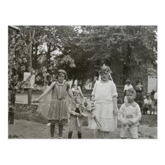 Princesas de hadas (y pequeños hermanos) postales