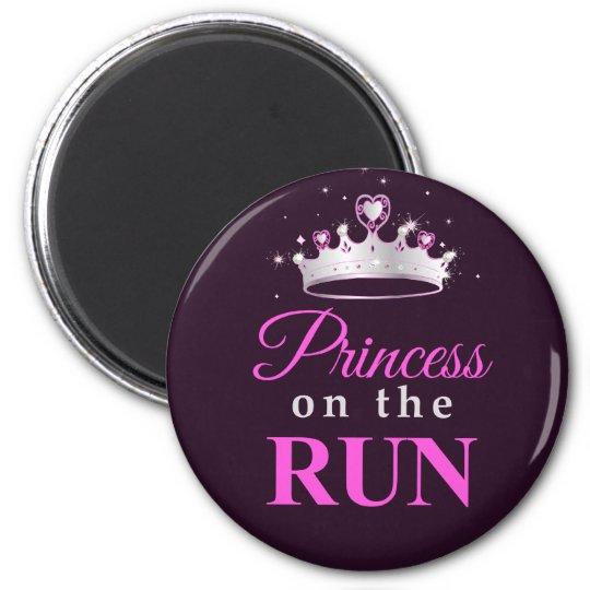 Princess on the Run on black Magnet