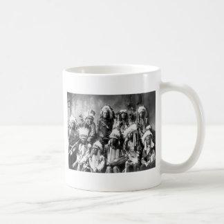 Principal nube roja y otros jefes 1899 taza de café