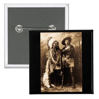 Principal sentada Bull y Buffalo Bill 1895 Pin Cuadrado