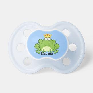 Príncipe de la rana chupete de bebé