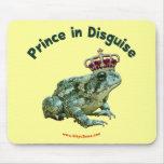 Príncipe de la rana del sapo en disfraz tapetes de ratón