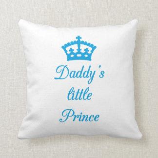 Príncipe del papá del diseño de la almohada el peq