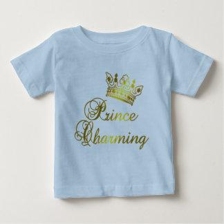 Príncipe el encantar en la camiseta del oro para playeras