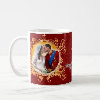 Príncipe Guillermo y taza del beso de Kate
