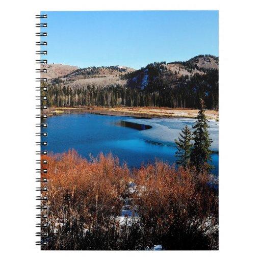 Principio escarchado del agua spiral notebook