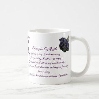 Principios de Reiki apenas para la taza de café