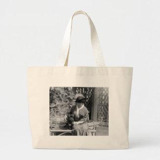 Prize Bulldog, 1910s Bag
