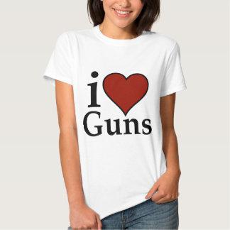 Pro Second Amendment: I Heart Guns Tshirt