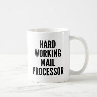 Procesador de trabajo duro del correo taza básica blanca