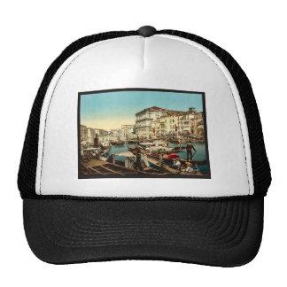 Procesión sobre el Gran Canal, cla de Venecia, Ita Gorro