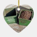 producción del café adorno navideño de cerámica en forma de corazón