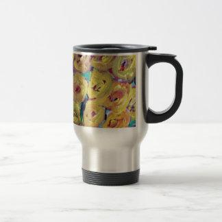 Productos amarillos del diseño floral tazas