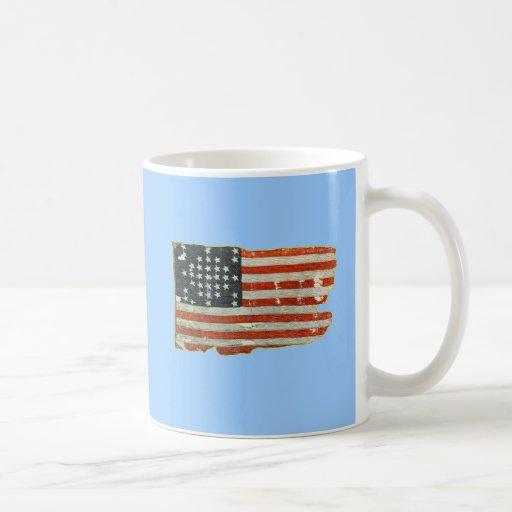 Productos de la bandera americana del vintage taza básica blanca