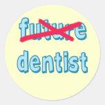 Productos del graduado de la escuela dental pegatina