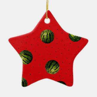 productos del rojo de las sandías y de las adorno navideño de cerámica en forma de estrella