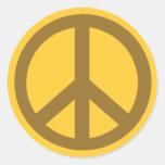 Productos marrones del símbolo de paz pegatinas redondas