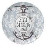 Productos náuticos azules fuertes de la estancia platos de comidas