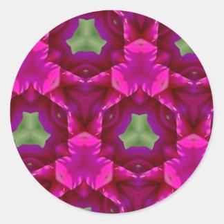 Productos púrpuras y verdes abstractos pegatina redonda