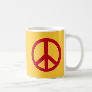 Productos rojos del signo de la paz tazas de café