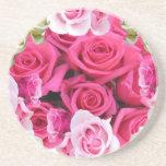 Productos rosados del rosa y blancos de los rosas posavaso para bebida