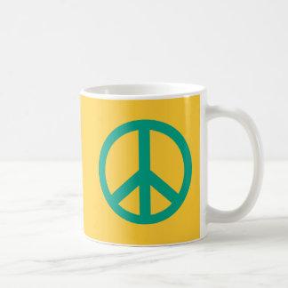 Productos verdes del signo de la paz del trullo taza de café