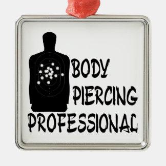 Profesional de perforación del cuerpo ornamente de reyes