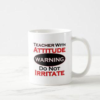 Profesor con actitud taza de café