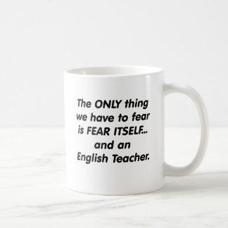 Profesor de inglés del miedo tazas de café