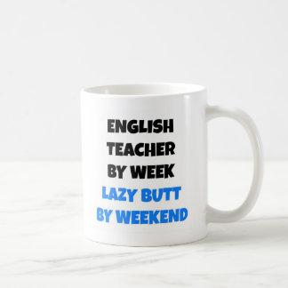 Profesor de inglés perezoso del extremo taza de café