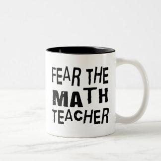Profesor de matemáticas divertido taza de dos tonos