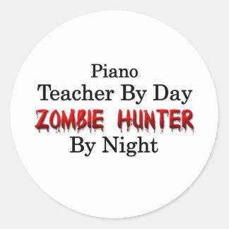 Profesor de piano/cazador del zombi pegatina redonda