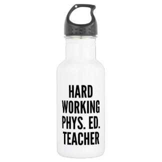 Profesor de trabajo duro de la educación física