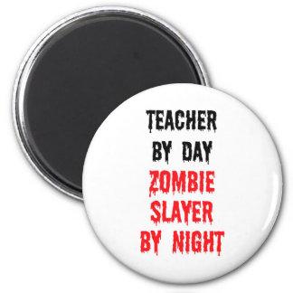 Profesor del asesino del zombi del día por noche imán redondo 5 cm