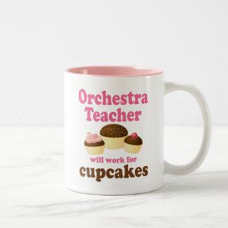 Profesor divertido de la orquesta taza de café de dos colores