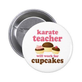 Profesor divertido del karate pin