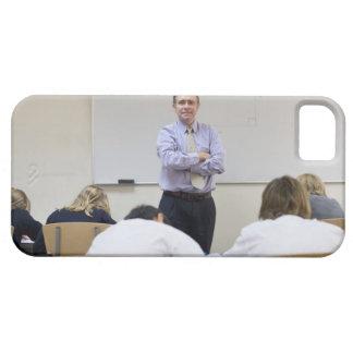 Profesor en el frente de la clase, niños que funda para iPhone SE/5/5s